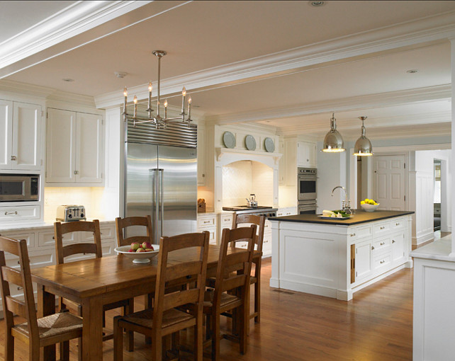 Traditional Colonial Home  Home Bunch Interior Design Ideas