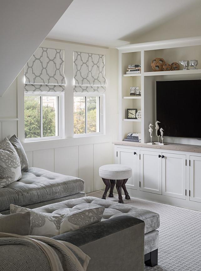 Den. Small Den Furniture. Small Den with Bookcase Cabinet. #Den #Bookcase #Cabinet #SmallDen #SmallInteriors
