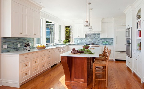 beach house kitchen backsplash Southern Home with Neutral Interiors - Home Bunch Interior