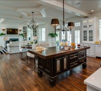 Coastal Home with Traditional Interiors - Home Bunch ...