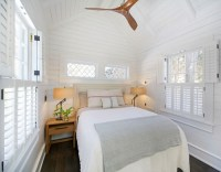 Southampton Beach Cottage for Sale - Home Bunch Interior ...