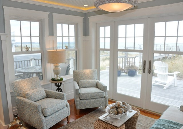 El area de espera.  Ideas zona de estar.  Esta acogedora zona de estar es perfecto para leer o simplemente disfrutar de las vistas al mar.  #SeatingArea #SittingArea