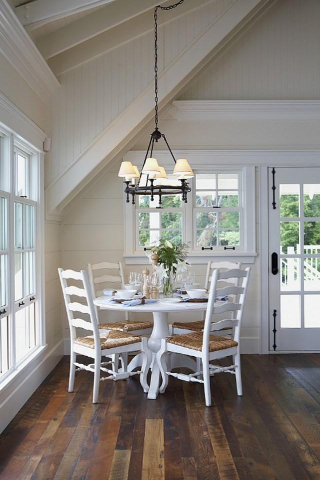 Muskoka Lake Cottage - Home Bunch Interior Design Ideas