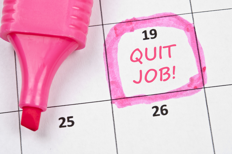 Can You Really Quit Your Day Job to Become a Successful Blogger?