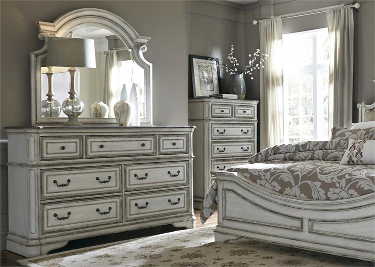 Magnolia Manor Sleigh Bed 6 Piece Bedroom Set in Antique