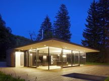Haus Hainbach - A modernist retreat comprising of wood and ...