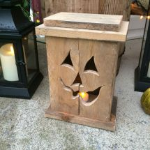 Cool Pallet Wood Halloween Decoration Ideas