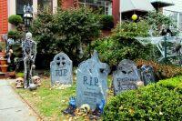 10 Spooky Outdoor Halloween Decoration ideas for Festival