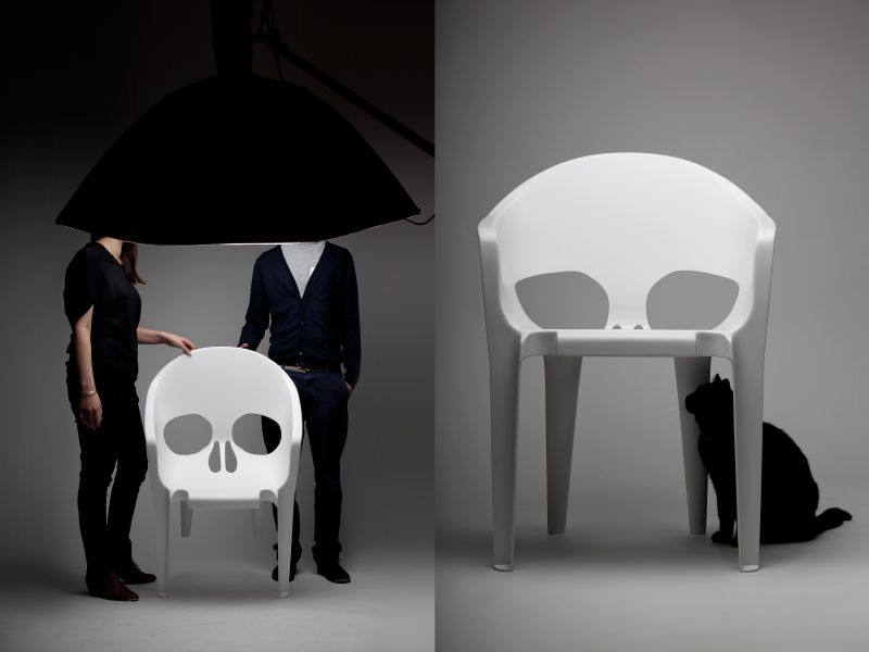 black skull chair best chairs for reading 13 badass a boo tiful halloween white fiberglass by pool