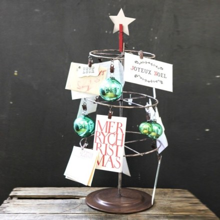 tabletop-photo-card-tree-with-clips