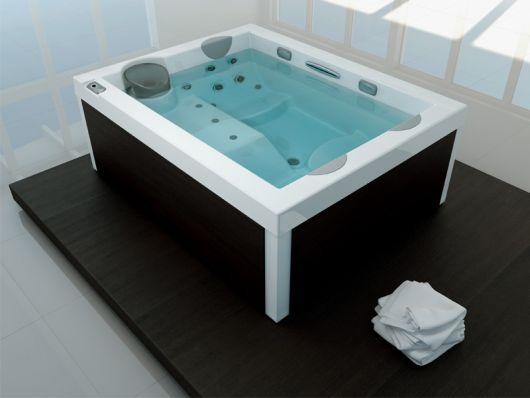 unique-jacuzzi-carlo-urbinati-5 bed-bath