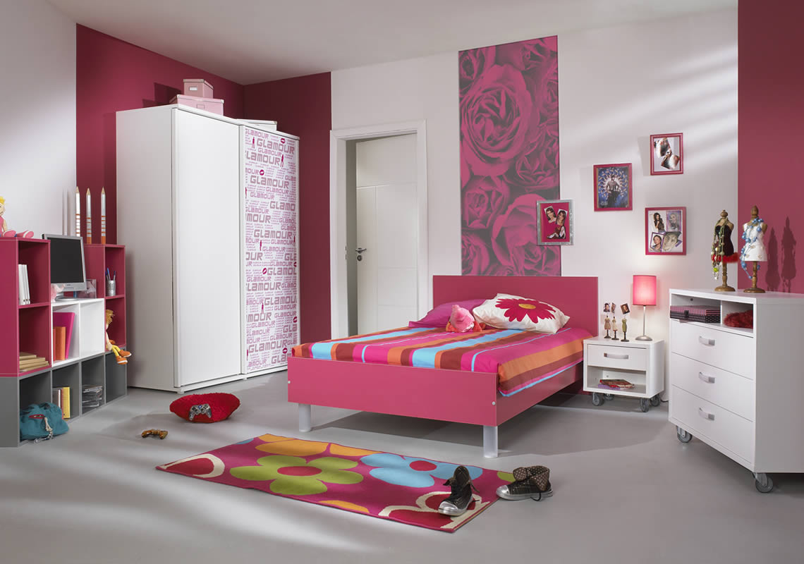 girls bedroom chair fishing in mix and match teenage bedrooms interior design ideas