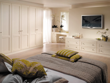 Extraordinary Bespoke Bedroom Furniture by Strachan ...