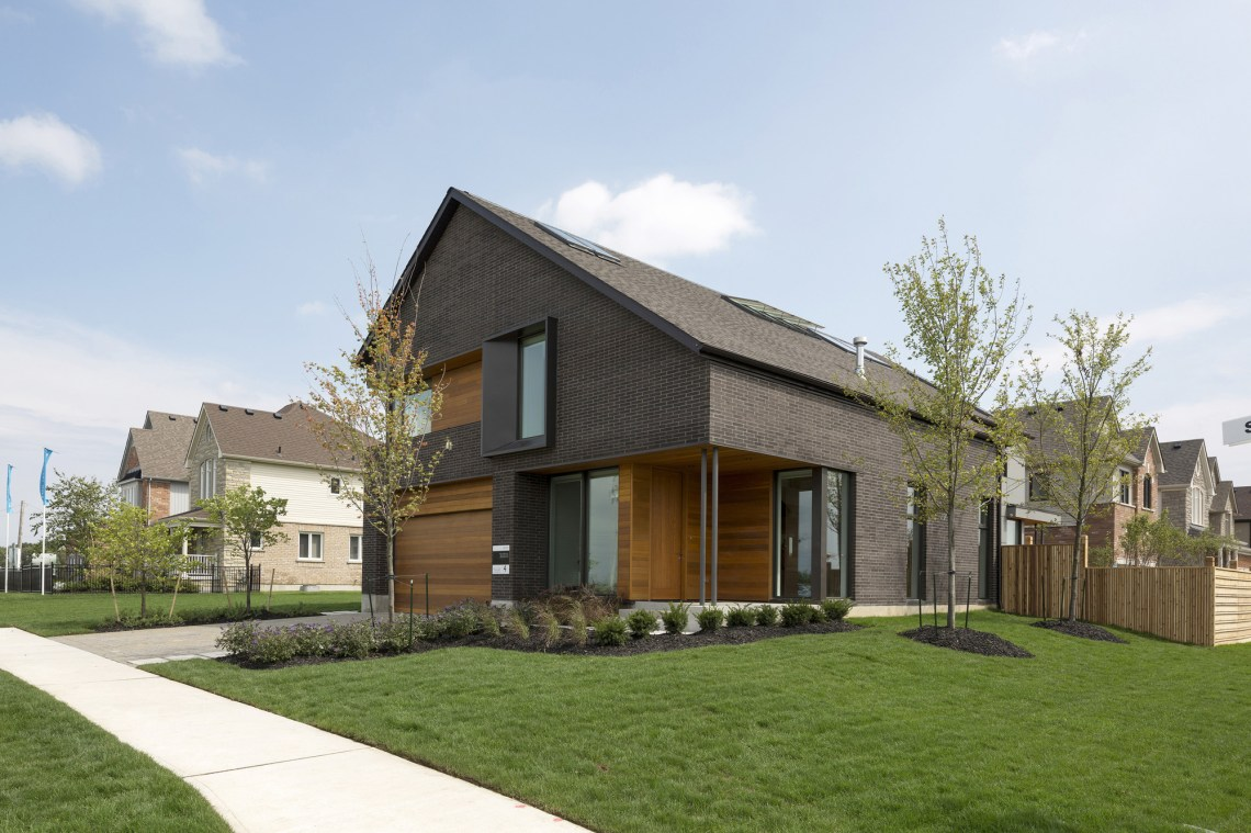 The Great Gulf Active House in Canada by Superkul Inc ...