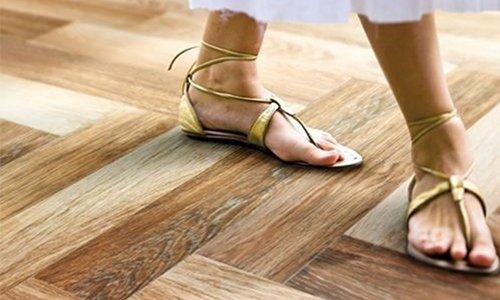 Tile that looks like wood best wood look tile reviews for Cork flooring wood grain look