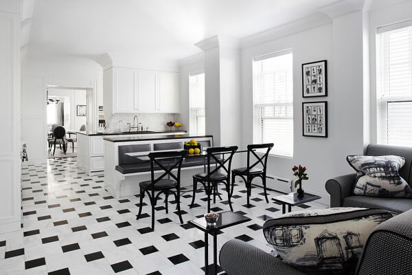 Offset black and white tiles keep this monochrome scheme from being too busy.