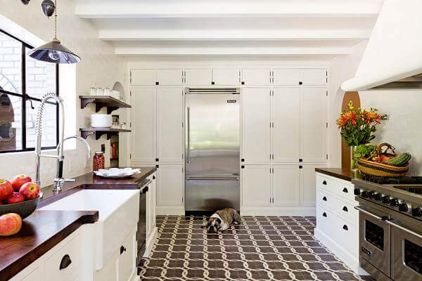 tiled kitchen floors black trash bags 36 floor tile ideas designs and inspiration june 2017 these chain pattern encaustic tiles add interest to this more classic farmhouse style