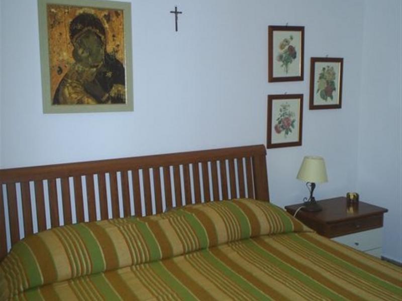 Ninni change de maison  San Vito Lo Capo Italie  HomeForHomecom