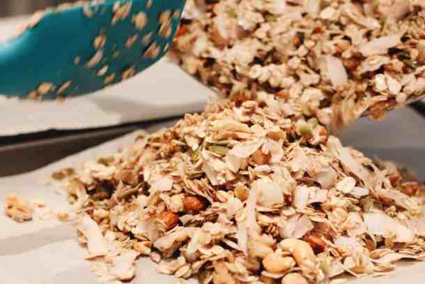 Making Homemade Granola | Home for the Harvest