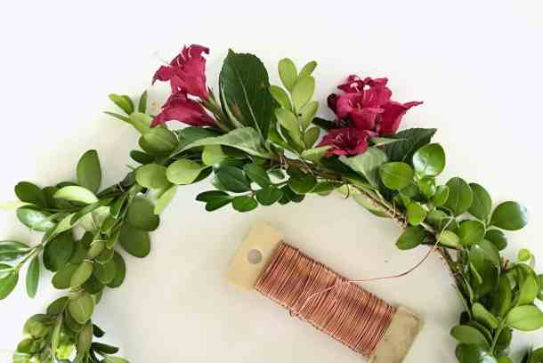 This DIY tutorial shows how to make a floral crown with real flowers and greenery | Home for the Harvest