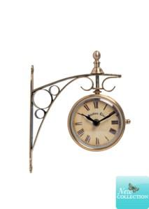 Wall hanging station clock