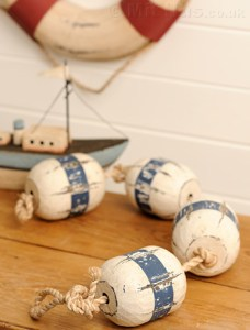 Home accessories to complete a nautical interior