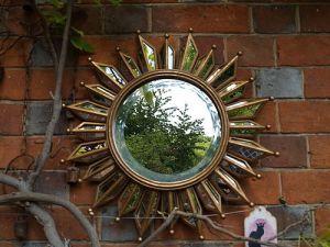 Gold sunburst mirror from BeGolden