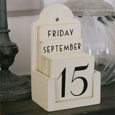 Decorative desk accessories: Wooden perpetual calendar