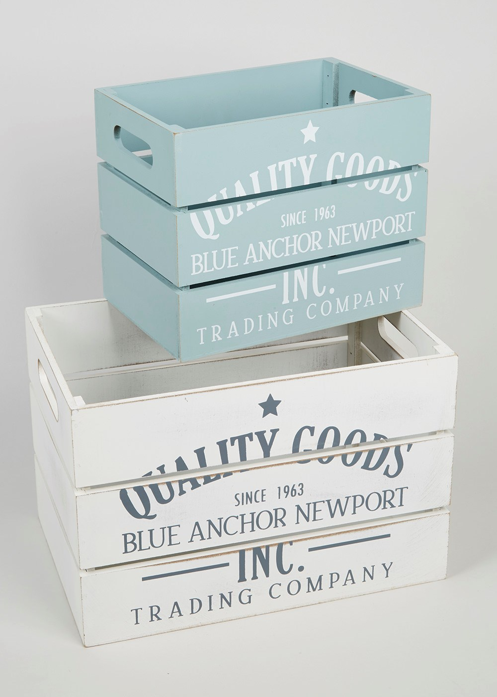 Lovely set of two weathered boxes, with a nautical style