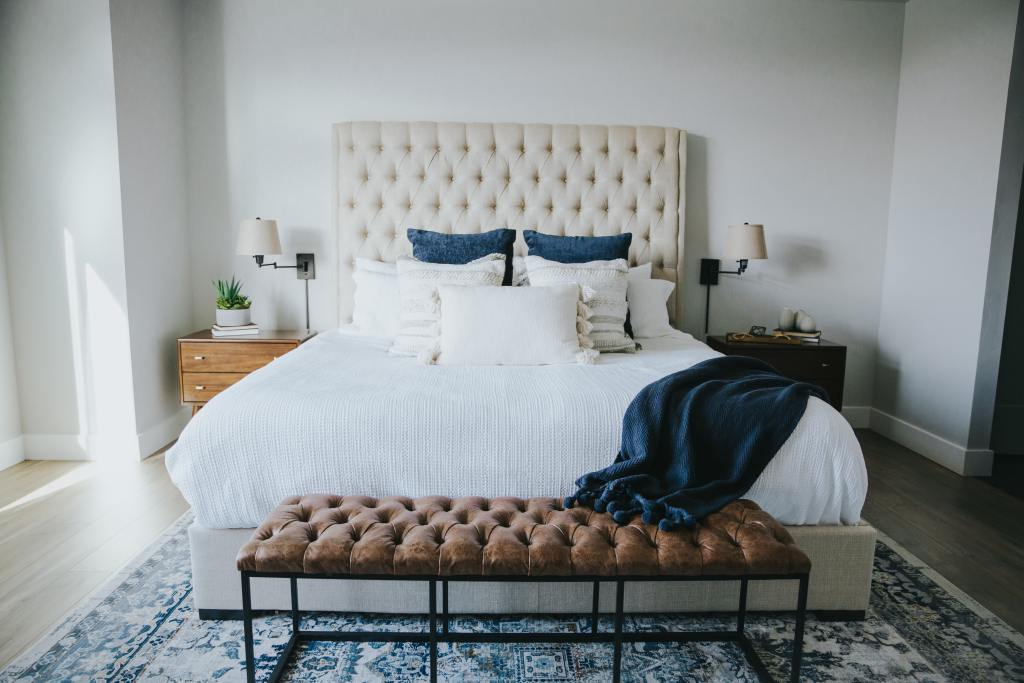 How to choose the right pillows for your sleeping positions