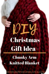 Do you need a great DIY Christmas gift idea? Check out this post for a tutorial plus free mini course for a chunky arm knitted blanket!