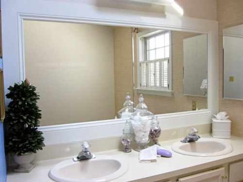 How To Decorate A Large Plain Bathroom Mirror: 5 Ideas For