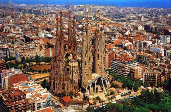 Sagrada_Familia_Aerial_View