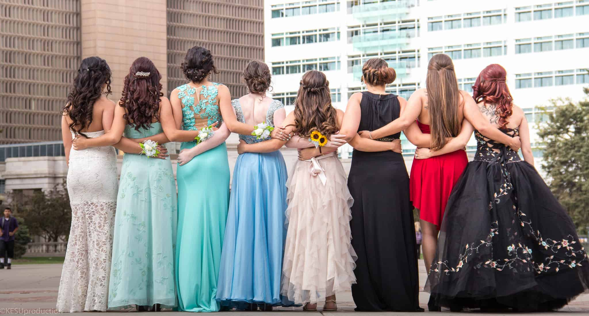 Organizations That Donate Free Prom Dresses To High School