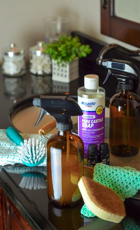 Keep you bathrooms clean and odor free with DIY Bacteria Busting Bathroom Cleaner Spray