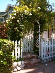 Diy Curb Appeal Create Welcoming Botanical Archway