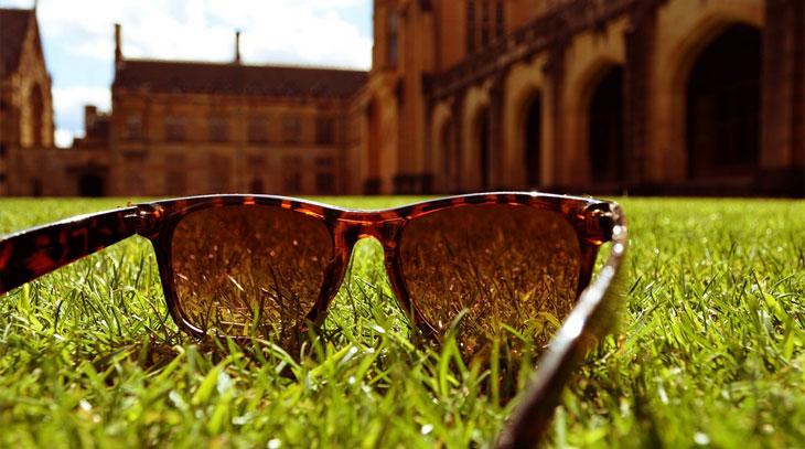 óculos com proteção UV