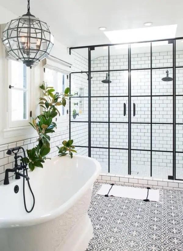atelier dans la salle de bains