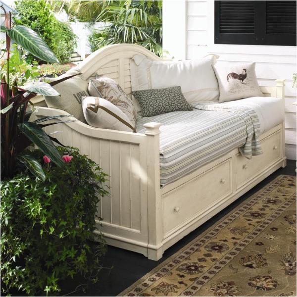 Make Small Bedroom Feel Bigger