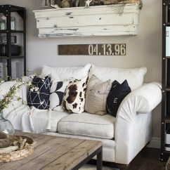 Decorating Living Room Wall Rooms With Leather Sofas 27 Rustic Farmhouse Decor Ideas For Your Home Homelovr Country