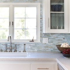Backsplash Kitchen Islands Carts 20 Ideas That Totally Steal The Show Homelovr Pearl Tile