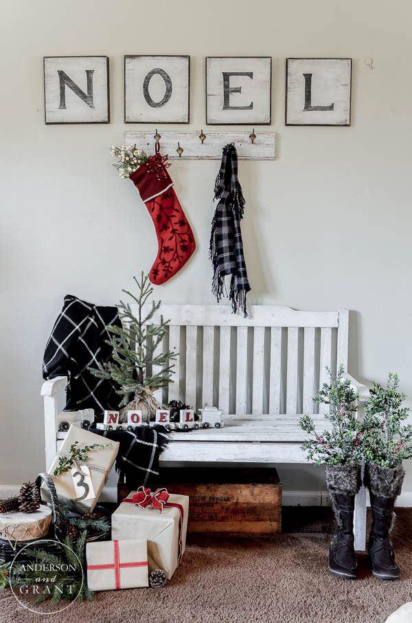 40 Farmhouse Christmas Decor Ideas Homelovr