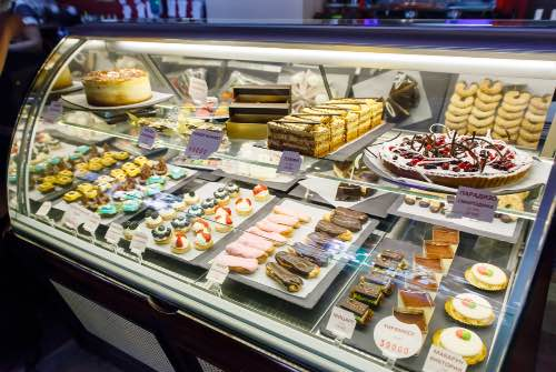 confectionery pastry display