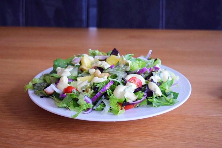 Kerrie salade met kip