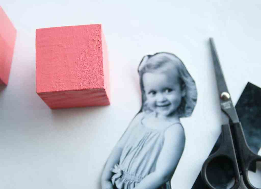 Make some modern diy photo blocks for kids to display in a nursery or give as a gift! These DIY Photo blocks are quick and easy to make.