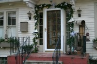 14 Front Porch Christmas Decor Ideas That Will Make The ...