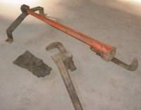 Homemade Pipe Wrench Holder - HomemadeTools.net