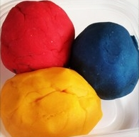 Homemade Playdough: a super simple recipe for fun