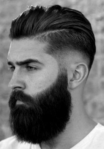 Cortes de cabelo masculino degrade com barba grande