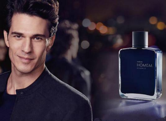 Homem No Espelho - Perfume Natura Homem Essence
